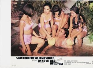One ne vit que deux fois Sean Connery et JB Girls
