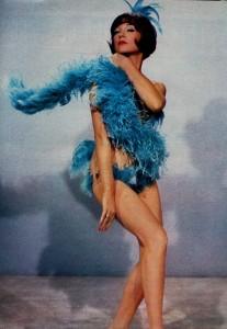Shirley MacLaine (ciné revue 27 avril 67)
