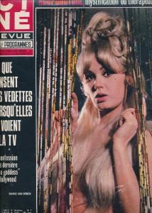 Mamie Van Doren (ciné revue 1971)