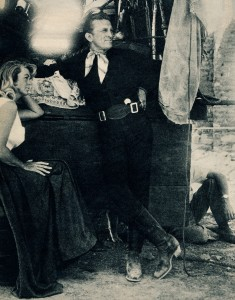 El Perdido tournage (Kirk Douglas, Dorothy Malone)