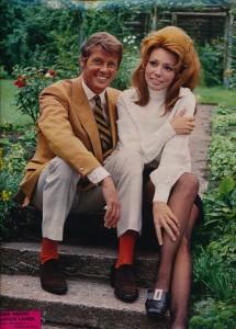 Claudie Lange et Roger Moore ciné revue octobre 68