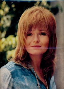 Valérie Perrine- Cinerevue avril 1975